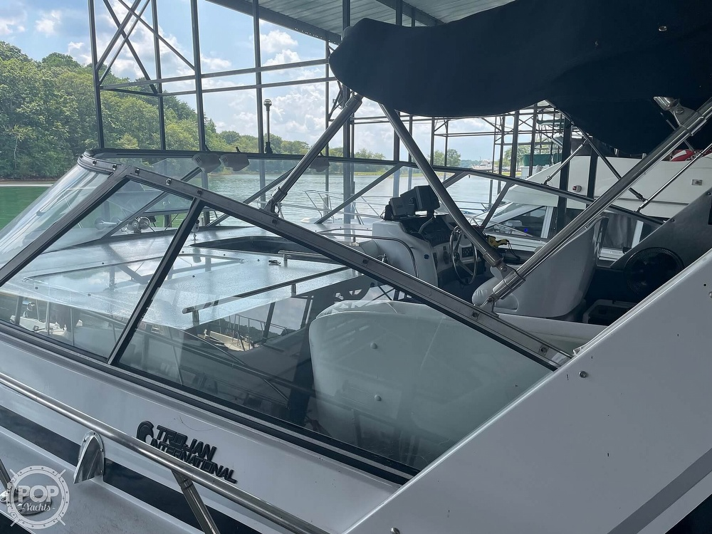 1989 Trojan boat for sale, model of the boat is 11 Meter Express 370 & Image # 5 of 40