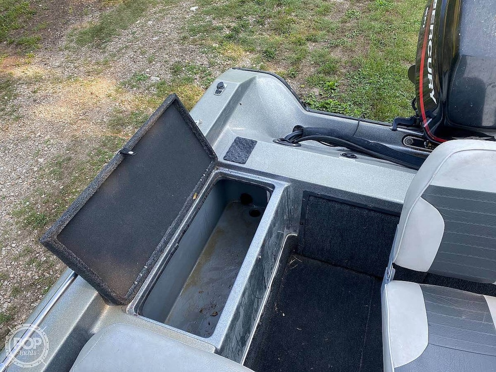 2000 Champion boat for sale, model of the boat is Fish Hunter 194 & Image # 3 of 10
