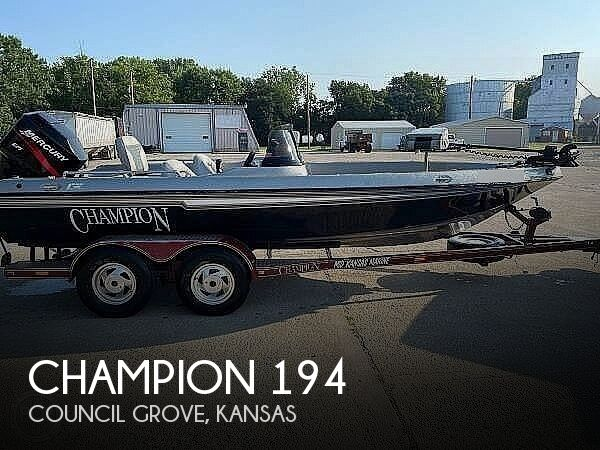 2000 Champion boat for sale, model of the boat is Fish Hunter 194 & Image # 1 of 10