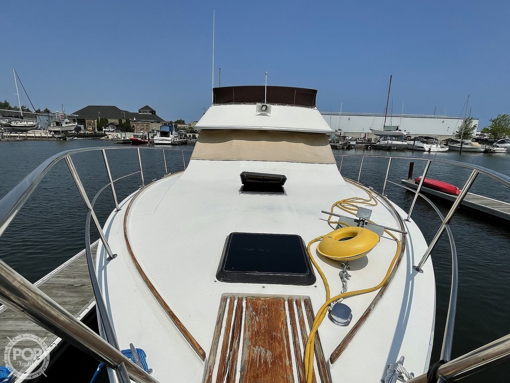1982 Sea Ray boat for sale, model of the boat is 355T Sedan & Image # 6 of 40