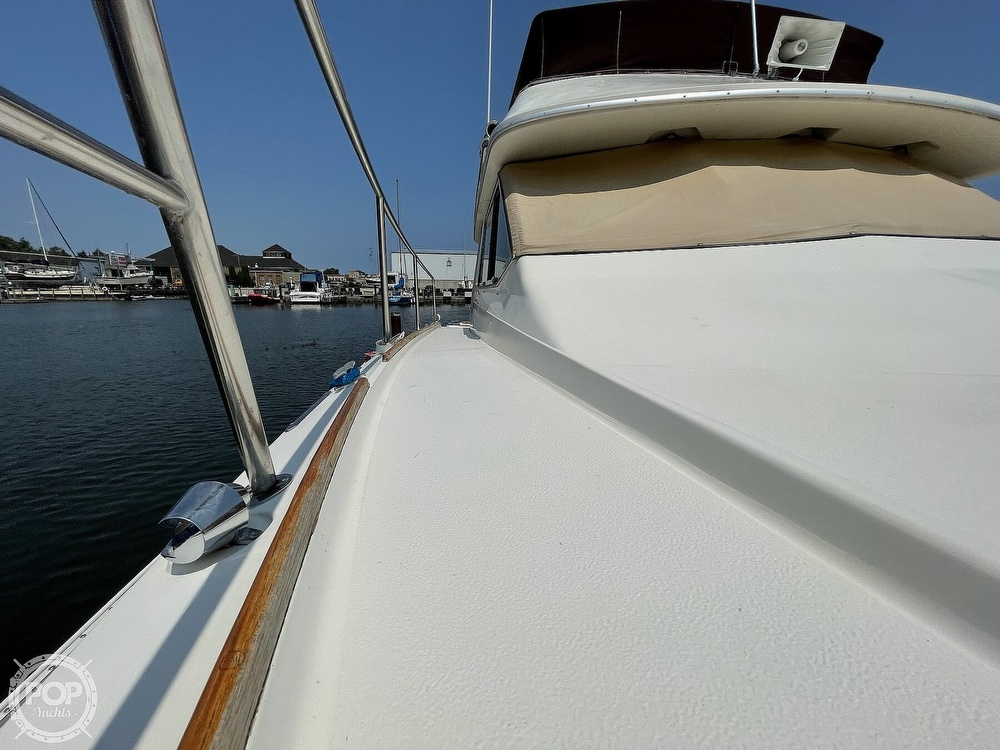 1982 Sea Ray boat for sale, model of the boat is 355T Sedan & Image # 19 of 40
