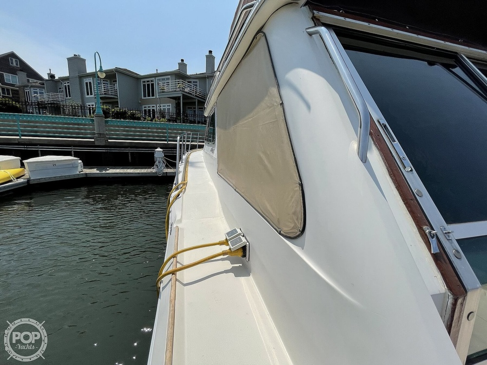 1982 Sea Ray boat for sale, model of the boat is 355T Sedan & Image # 20 of 40