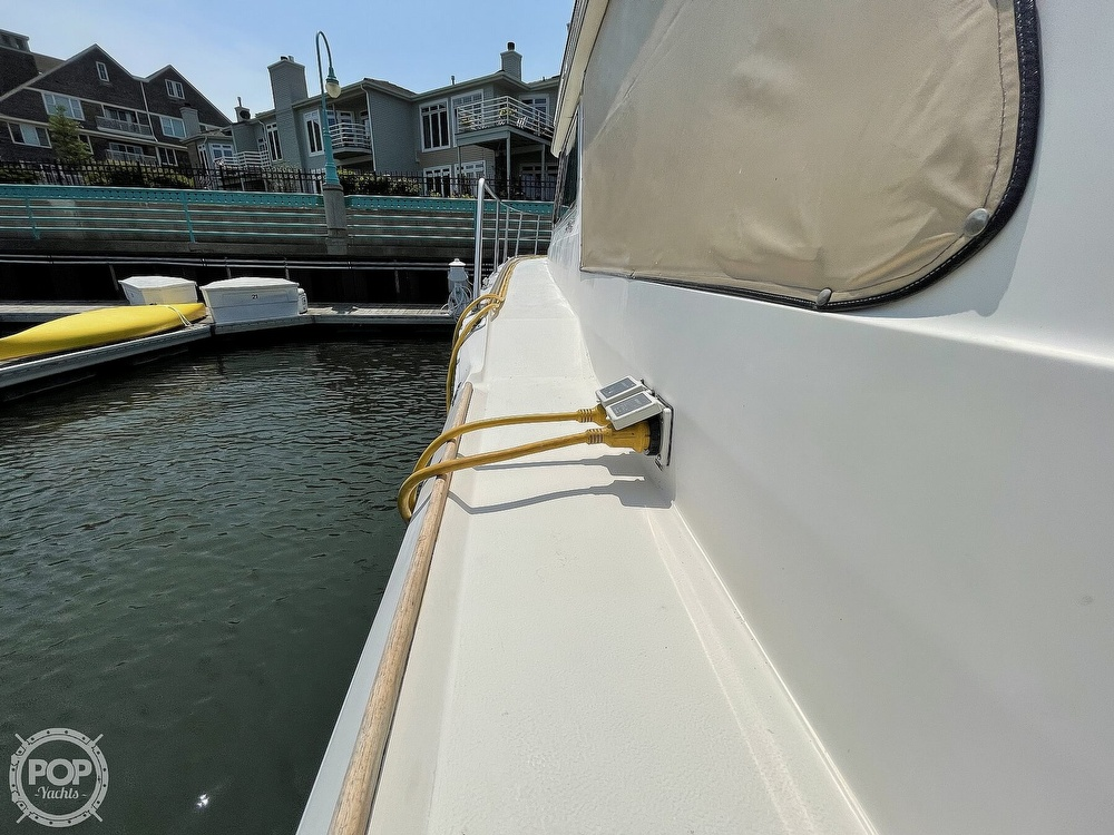 1982 Sea Ray boat for sale, model of the boat is 355T Sedan & Image # 21 of 40