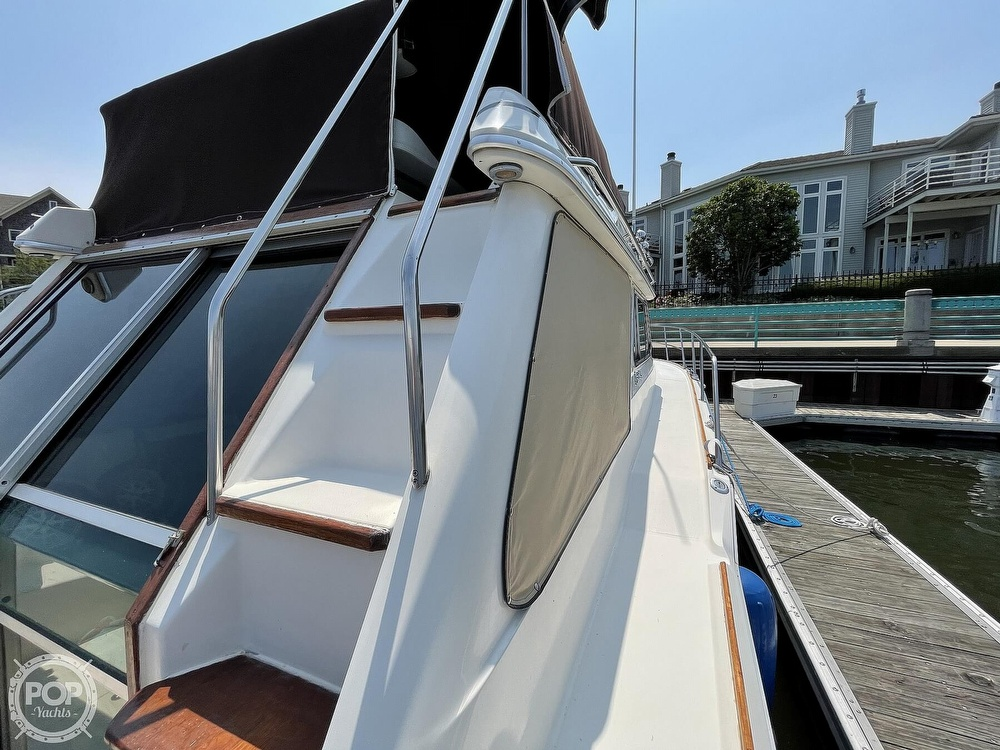 1982 Sea Ray boat for sale, model of the boat is 355T Sedan & Image # 22 of 40