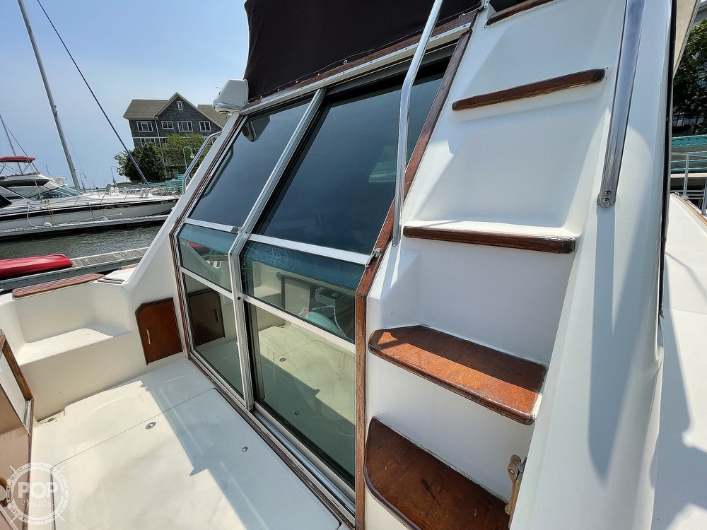 1982 Sea Ray boat for sale, model of the boat is 355T Sedan & Image # 23 of 40