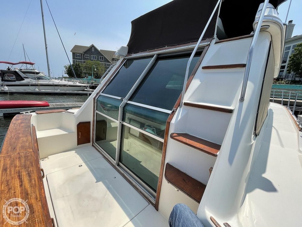 1982 Sea Ray boat for sale, model of the boat is 355T Sedan & Image # 24 of 40