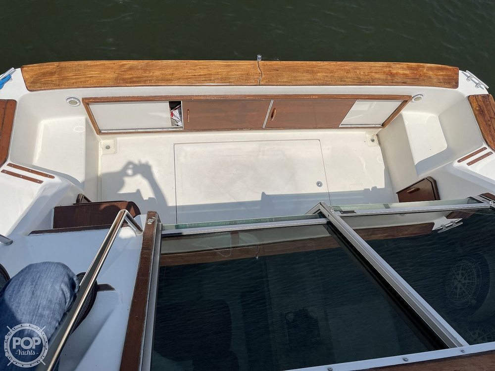 1982 Sea Ray boat for sale, model of the boat is 355T Sedan & Image # 26 of 40