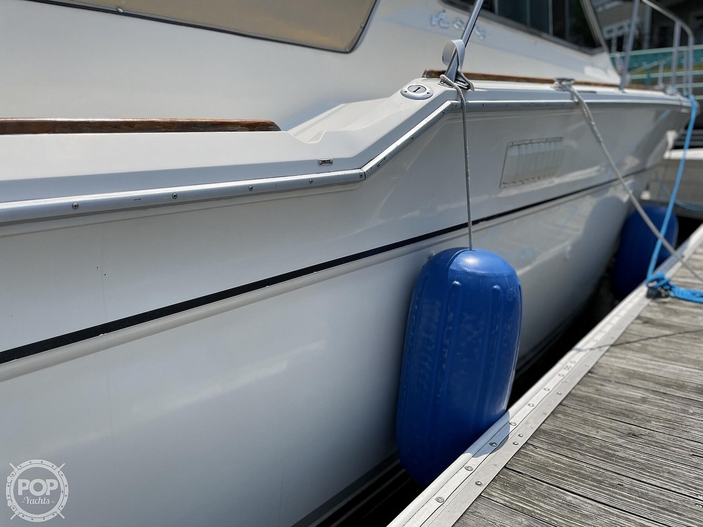 1982 Sea Ray boat for sale, model of the boat is 355T Sedan & Image # 27 of 40