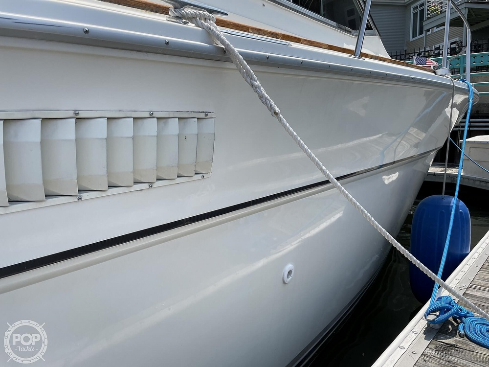 1982 Sea Ray boat for sale, model of the boat is 355T Sedan & Image # 35 of 40