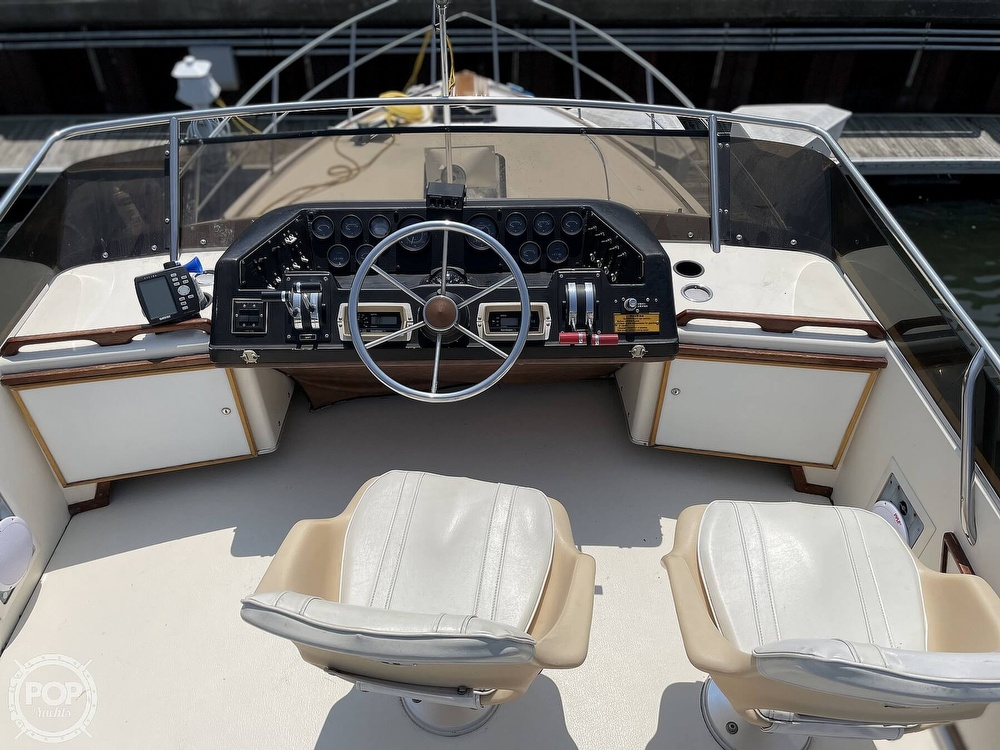 1982 Sea Ray boat for sale, model of the boat is 355T Sedan & Image # 5 of 40