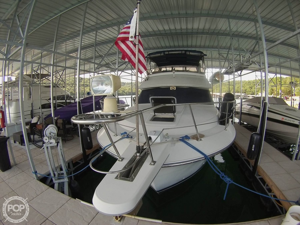 1995 Carver boat for sale, model of the boat is 370 Aft Cabin & Image # 5 of 40