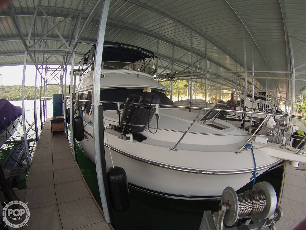 1995 Carver boat for sale, model of the boat is 370 Aft Cabin & Image # 16 of 40