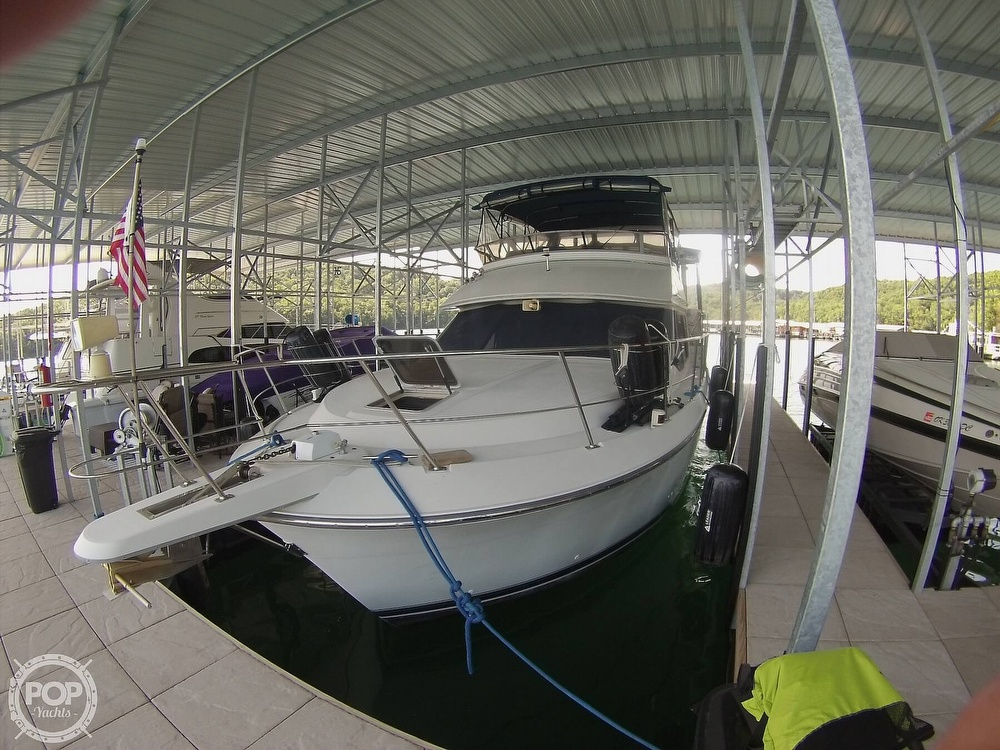 1995 Carver boat for sale, model of the boat is 370 Aft Cabin & Image # 21 of 40