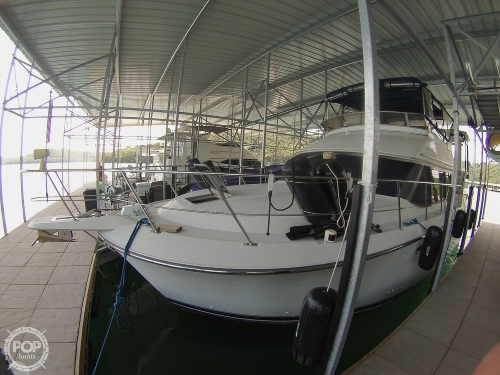 1995 Carver boat for sale, model of the boat is 370 Aft Cabin & Image # 22 of 40