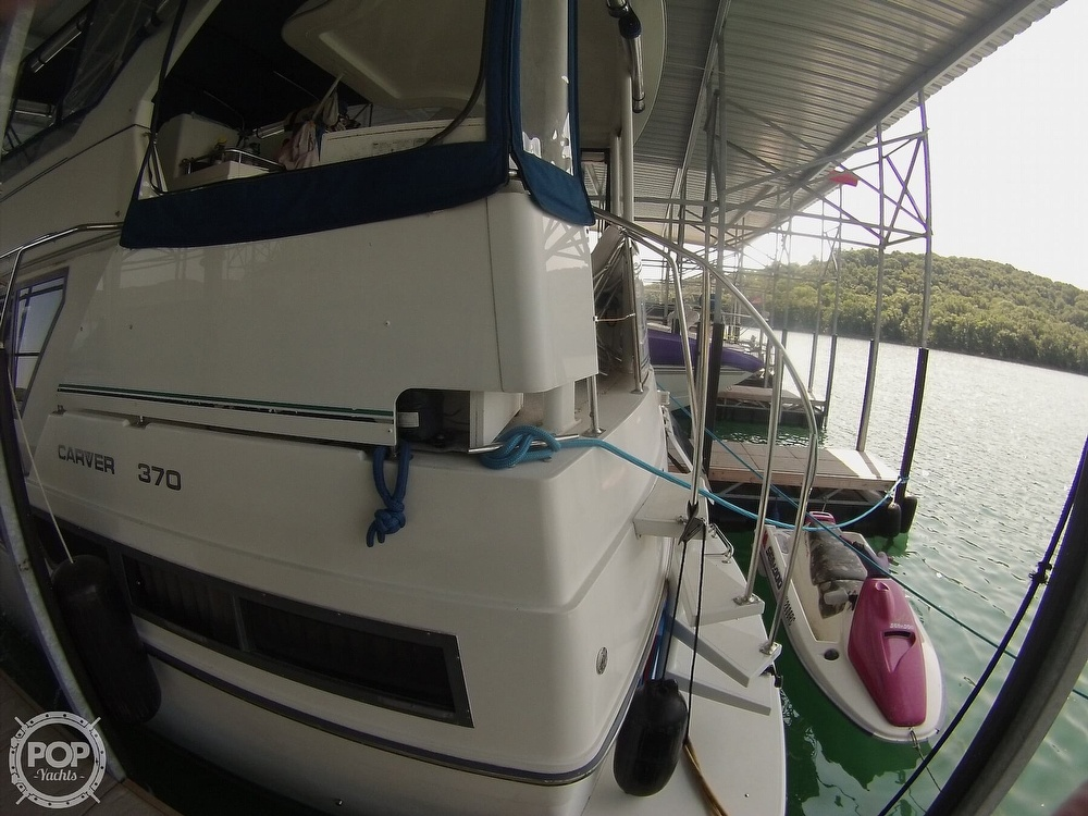 1995 Carver boat for sale, model of the boat is 370 Aft Cabin & Image # 25 of 40
