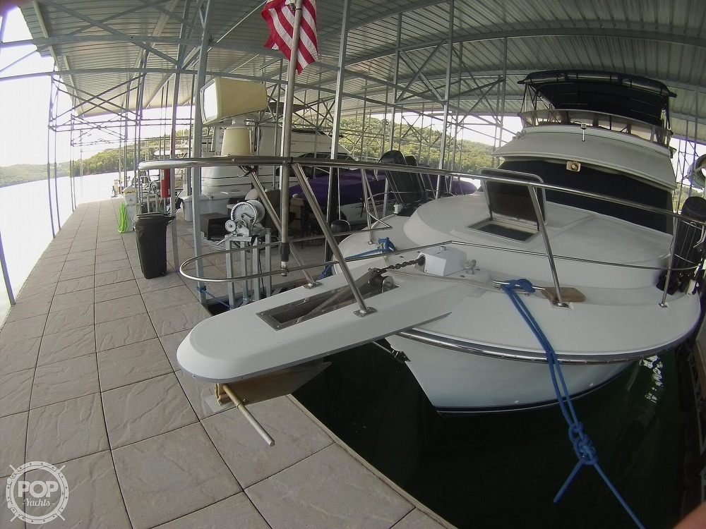1995 Carver boat for sale, model of the boat is 370 Aft Cabin & Image # 31 of 40
