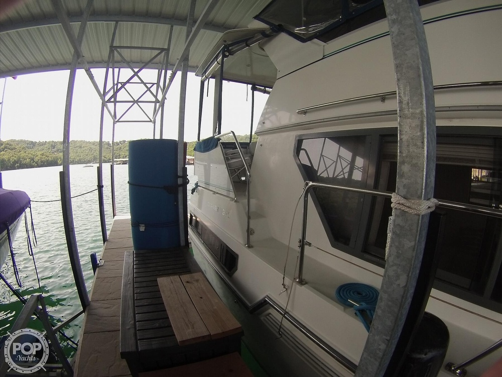 1995 Carver boat for sale, model of the boat is 370 Aft Cabin & Image # 33 of 40
