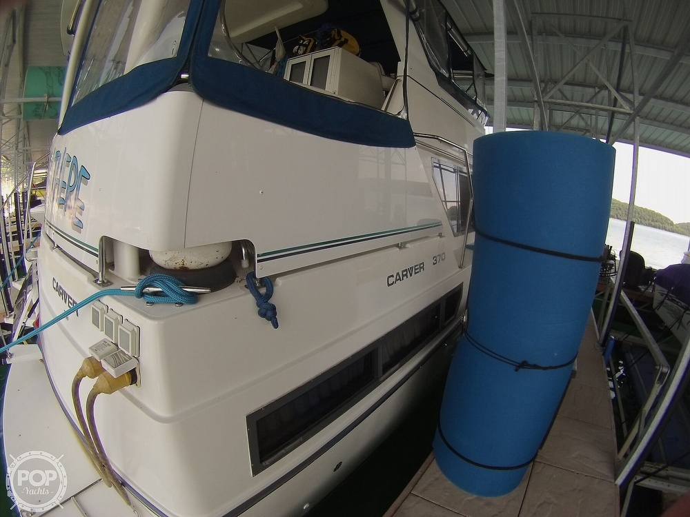 1995 Carver boat for sale, model of the boat is 370 Aft Cabin & Image # 34 of 40