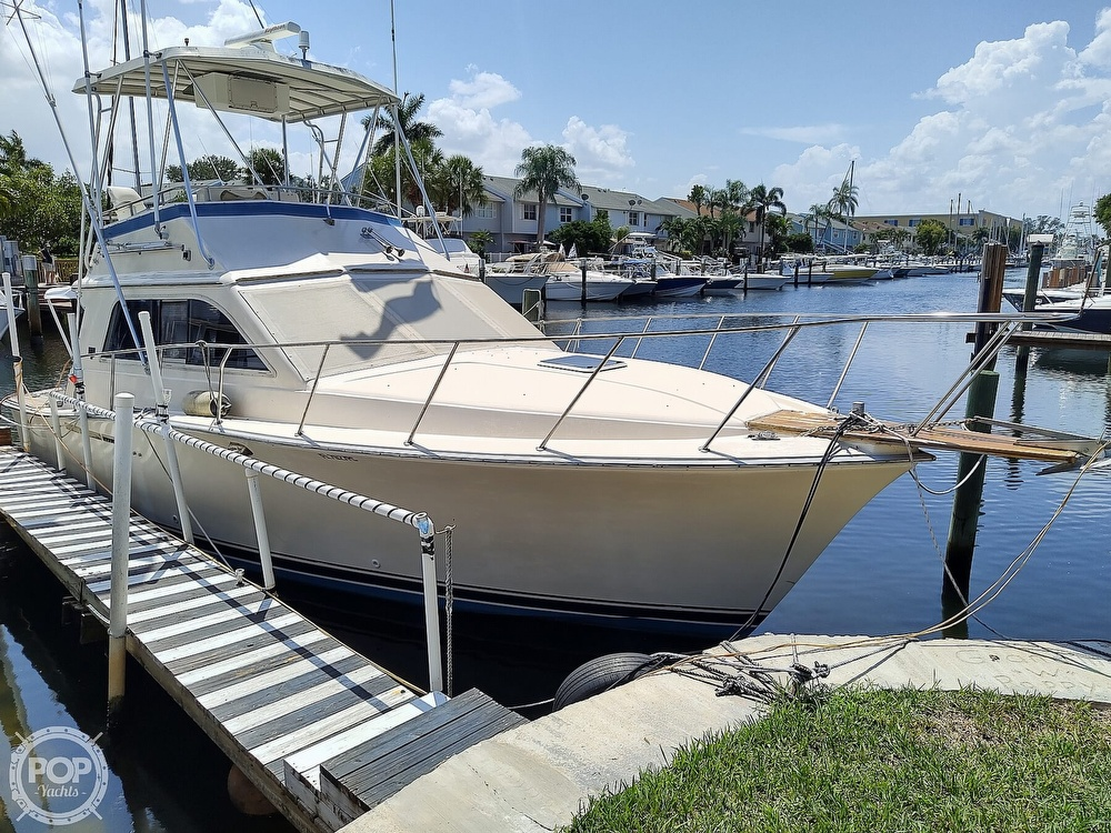 1989 Pacemaker boat for sale, model of the boat is 33 & Image # 18 of 40