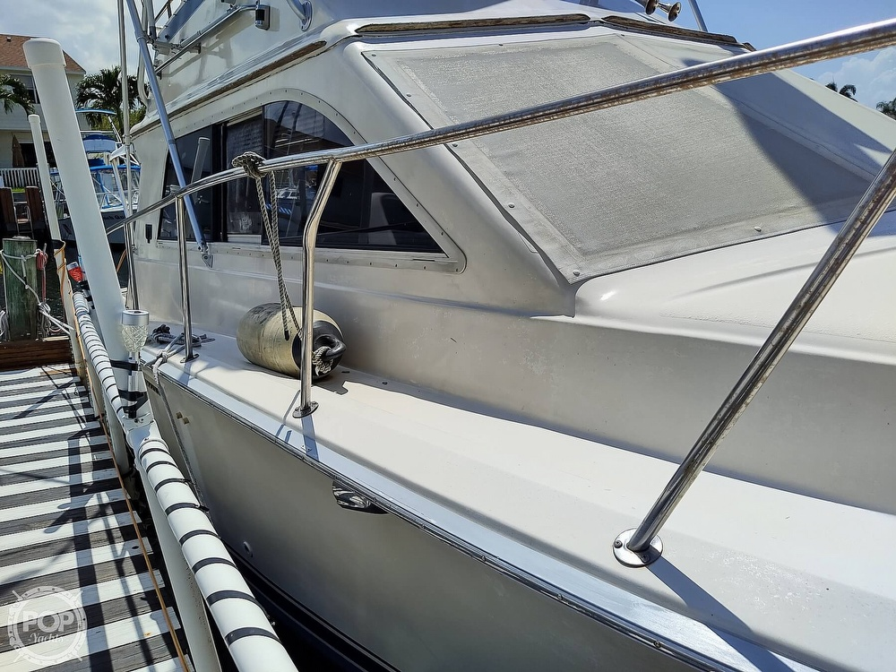 1989 Pacemaker boat for sale, model of the boat is 33 & Image # 24 of 40
