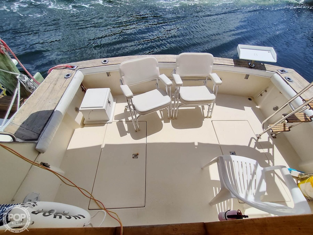 1989 Pacemaker boat for sale, model of the boat is 33 & Image # 13 of 40