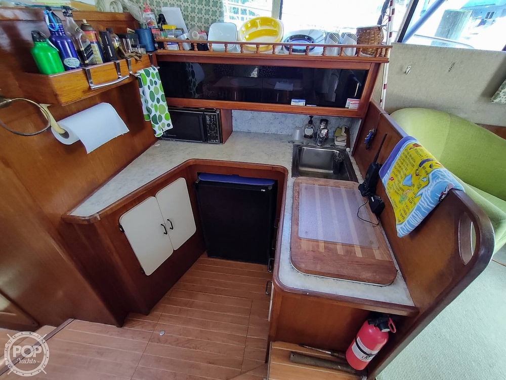 1989 Pacemaker boat for sale, model of the boat is 33 & Image # 7 of 40