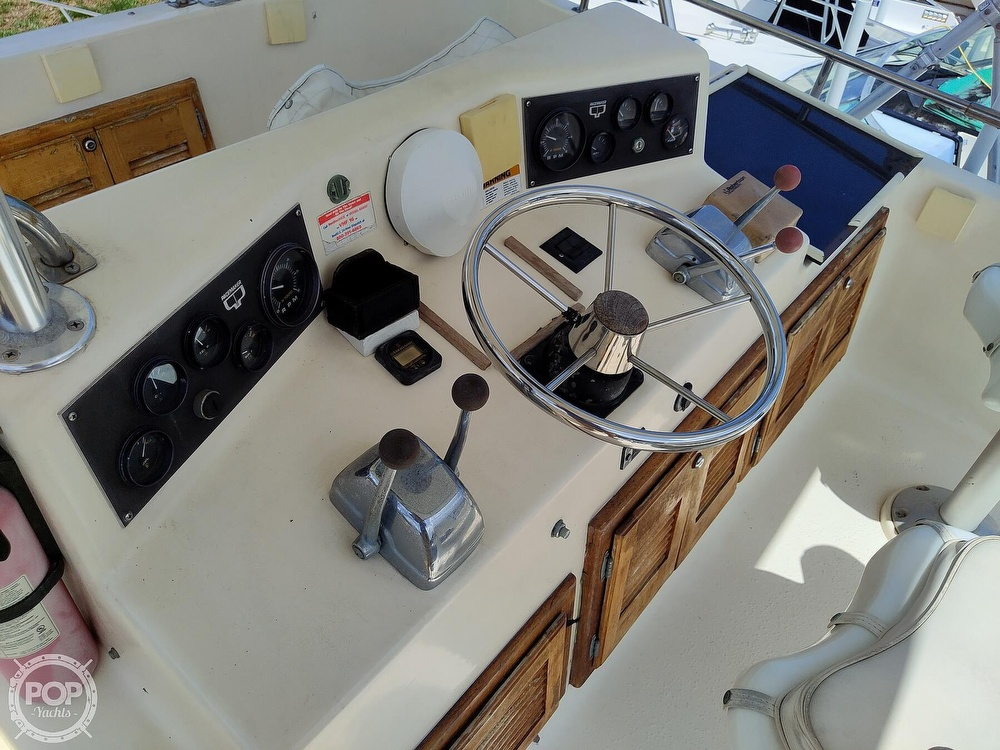 1989 Pacemaker boat for sale, model of the boat is 33 & Image # 9 of 40
