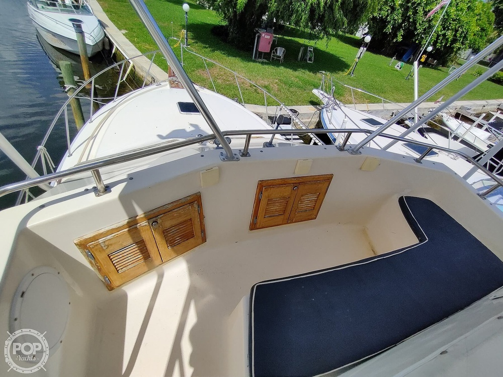1989 Pacemaker boat for sale, model of the boat is 33 & Image # 11 of 40