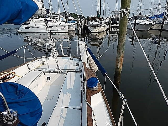 1981 Pearson boat for sale, model of the boat is 35 & Image # 27 of 40
