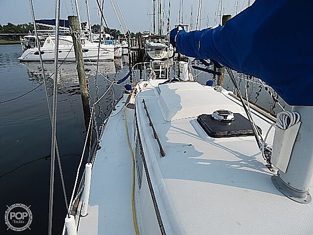 1981 Pearson boat for sale, model of the boat is 35 & Image # 32 of 40
