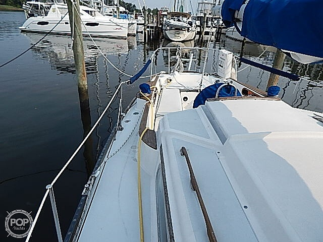 1981 Pearson boat for sale, model of the boat is 35 & Image # 35 of 40