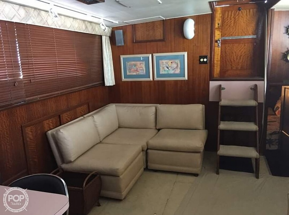1975 Hatteras boat for sale, model of the boat is Double Cabin & Image # 8 of 40