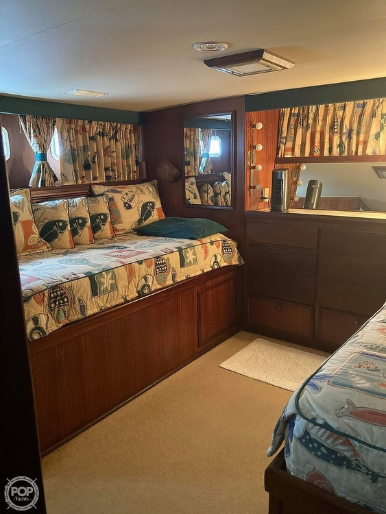 1975 Hatteras boat for sale, model of the boat is Double Cabin & Image # 14 of 40