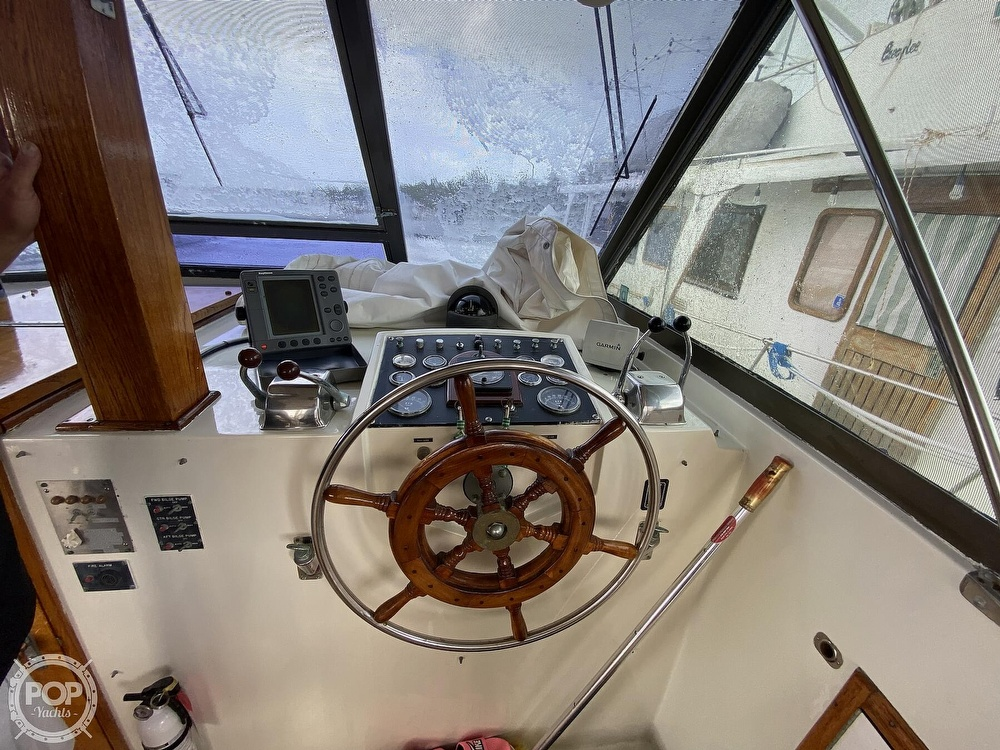 1975 Hatteras boat for sale, model of the boat is Double Cabin & Image # 16 of 40