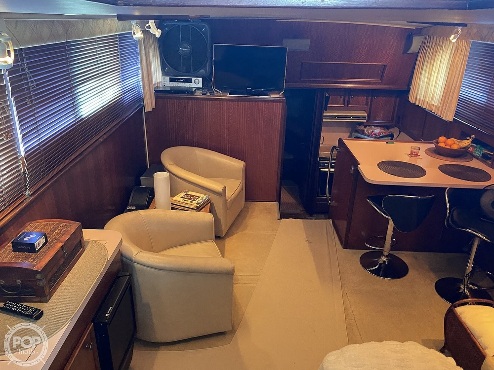 1975 Hatteras boat for sale, model of the boat is Double Cabin & Image # 21 of 40