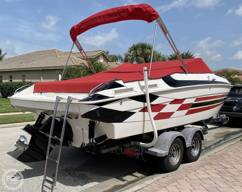 2000 Checkmate boat for sale, model of the boat is Convincor & Image # 6 of 40
