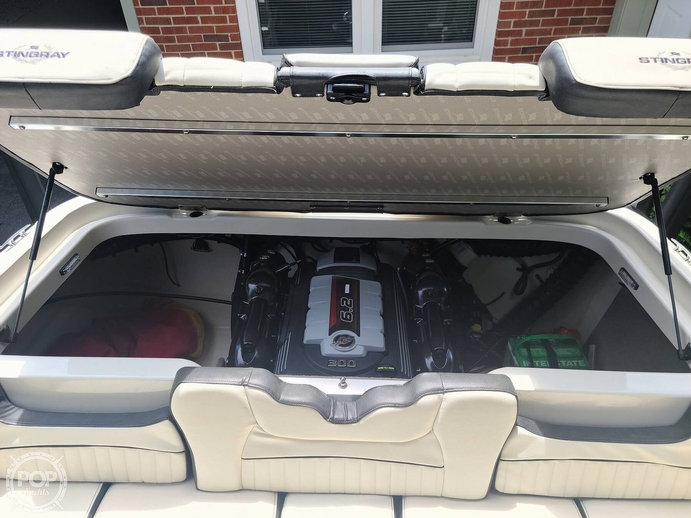 2020 Stingray boat for sale, model of the boat is 225SE & Image # 14 of 40