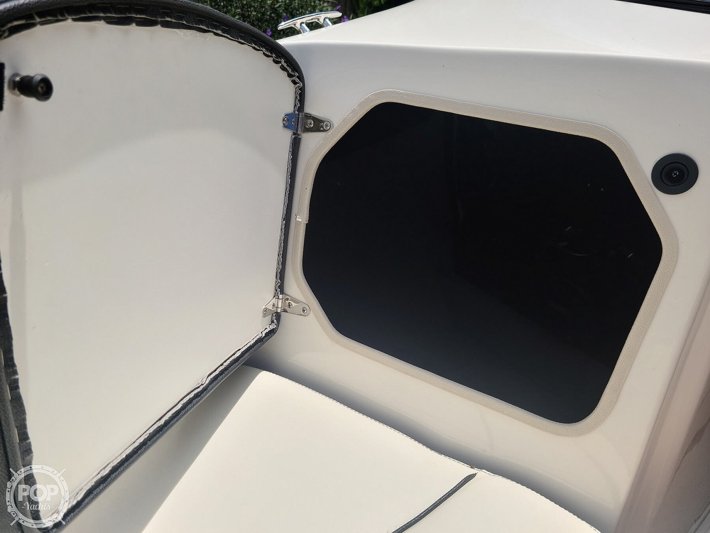 2020 Stingray boat for sale, model of the boat is 225SE & Image # 35 of 40