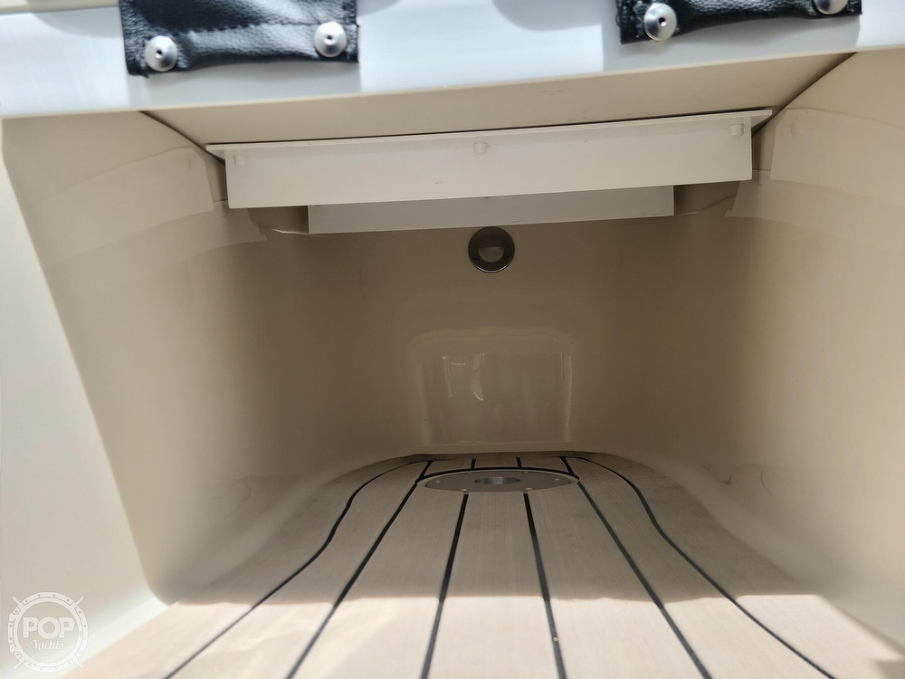2020 Stingray boat for sale, model of the boat is 225SE & Image # 38 of 40