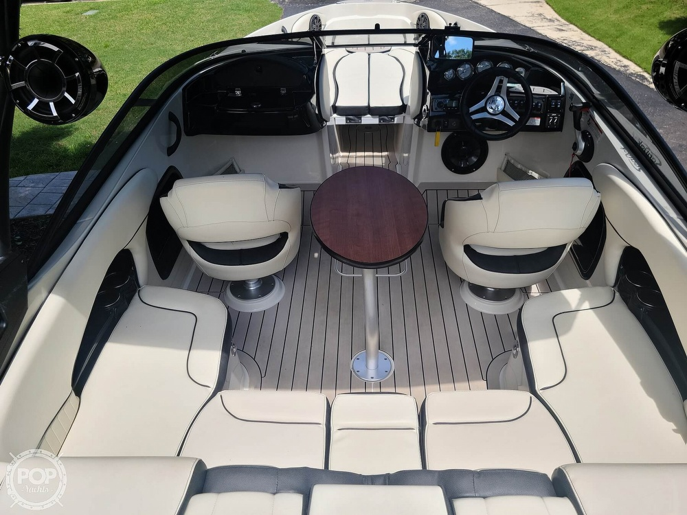 2020 Stingray boat for sale, model of the boat is 225SE & Image # 2 of 40