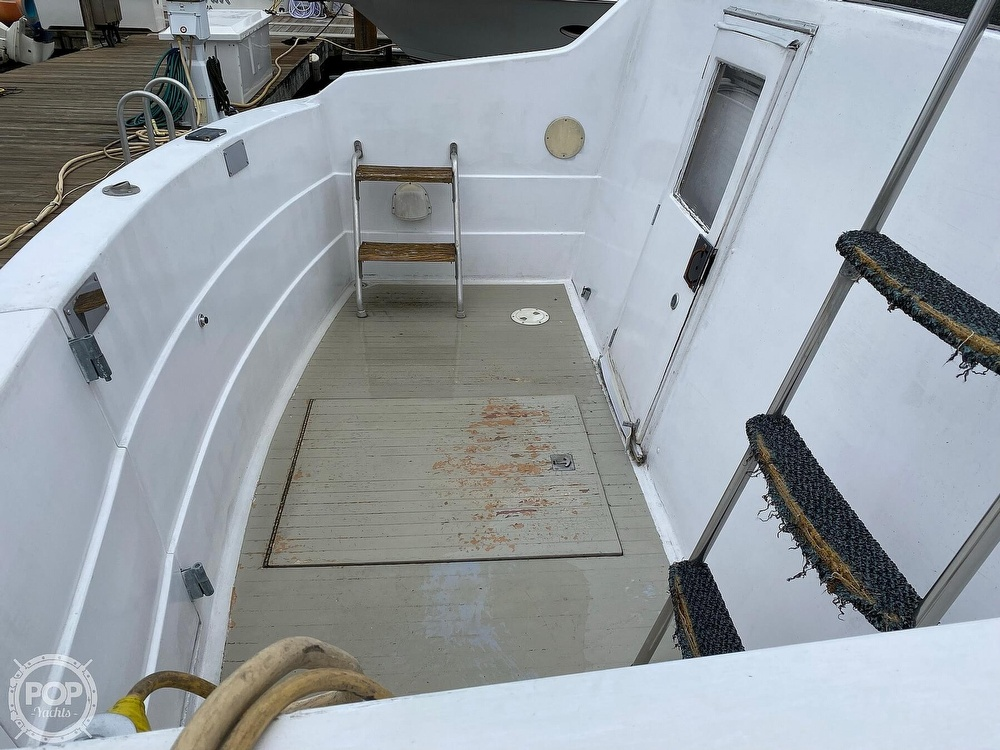 1970 Tollycraft boat for sale, model of the boat is Tri Cabin & Image # 11 of 40