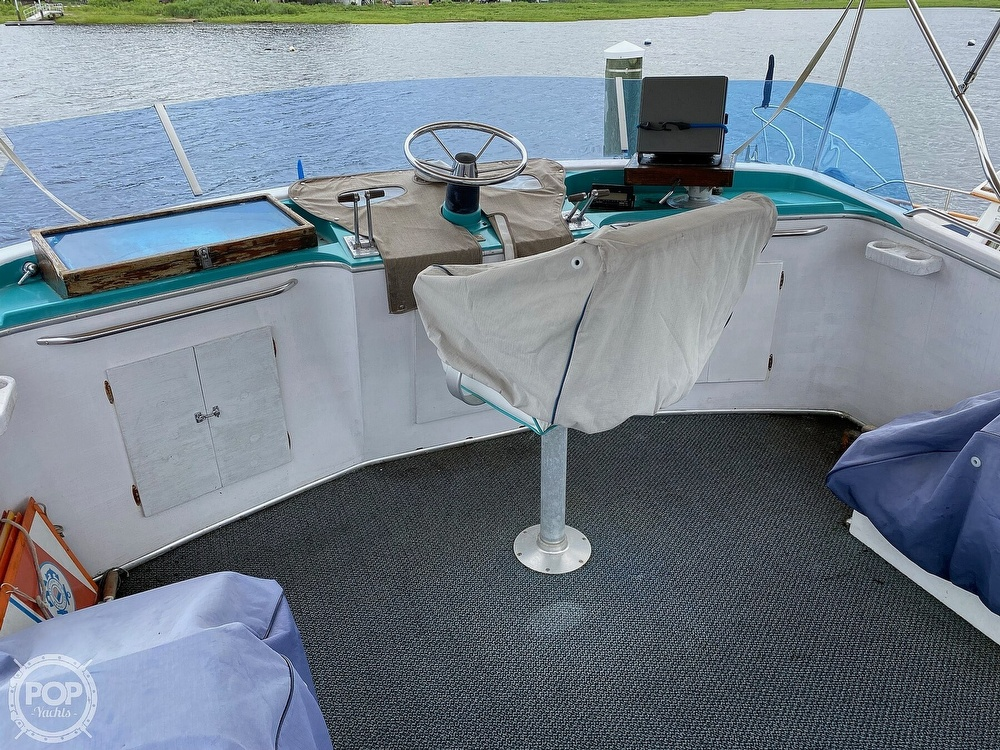 1970 Tollycraft boat for sale, model of the boat is Tri Cabin & Image # 17 of 40