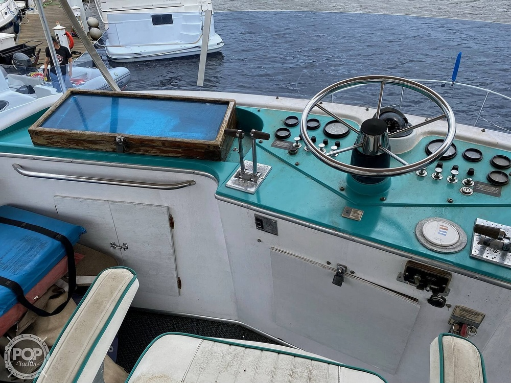 1970 Tollycraft boat for sale, model of the boat is Tri Cabin & Image # 25 of 40