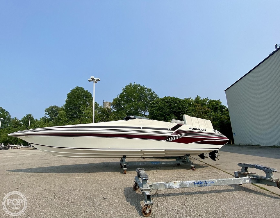 1996 Fountain boat for sale, model of the boat is 38 Sport Cruiser & Image # 4 of 40
