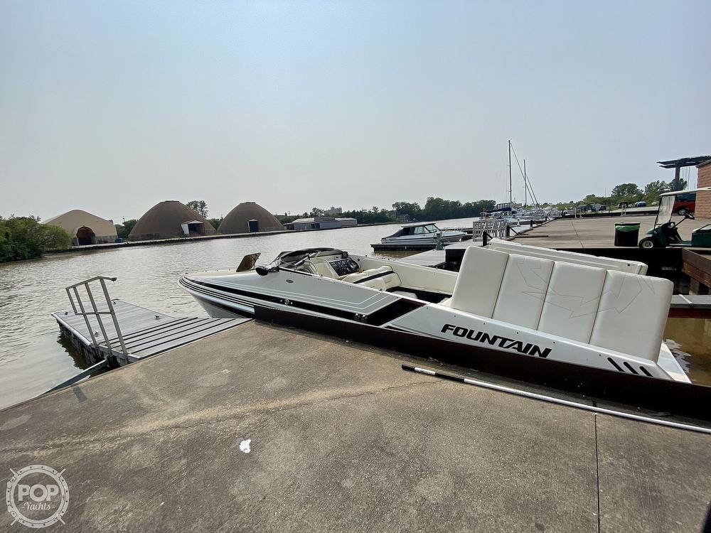 1996 Fountain boat for sale, model of the boat is 38 Sport Cruiser & Image # 3 of 40