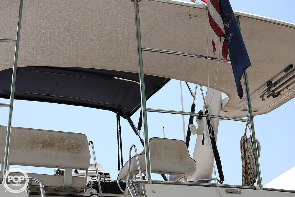 1995 Carver boat for sale, model of the boat is 325 Aft Cabin & Image # 4 of 41