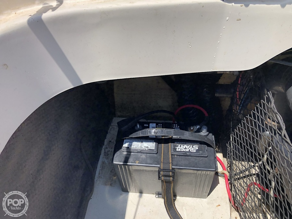 2001 Larson boat for sale, model of the boat is 190 LXI & Image # 21 of 40