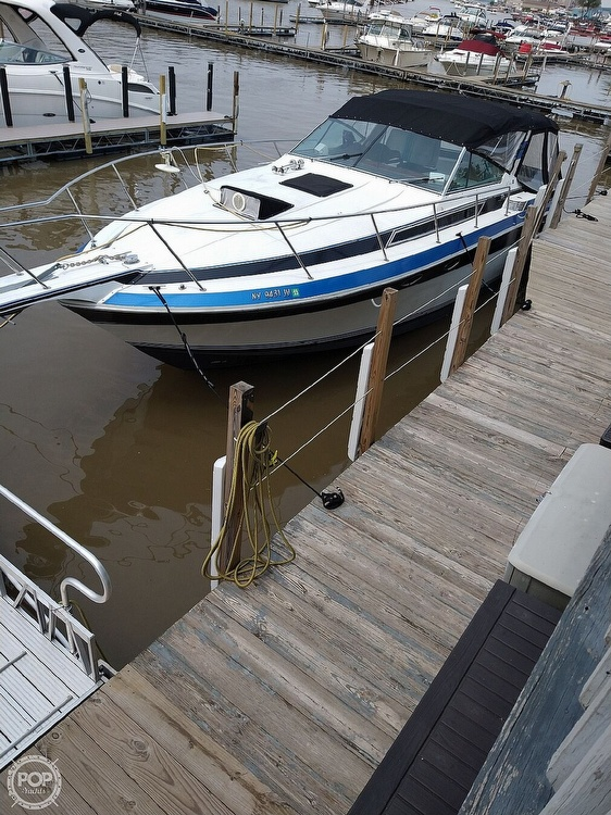 1988 Wellcraft boat for sale, model of the boat is St. Tropez 32 & Image # 2 of 40