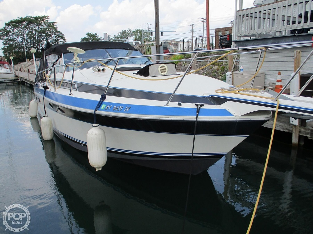 1988 Wellcraft boat for sale, model of the boat is St. Tropez 32 & Image # 18 of 40