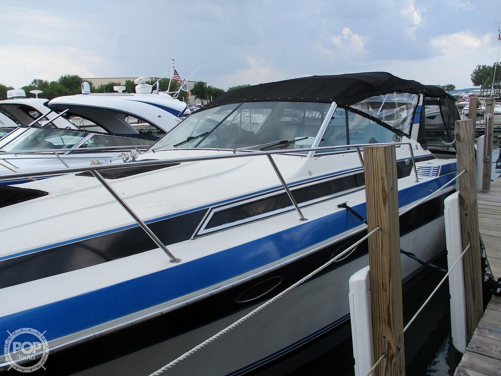 1988 Wellcraft boat for sale, model of the boat is St. Tropez 32 & Image # 22 of 40